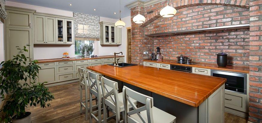 Vitmedis zagare virtuves baldai
